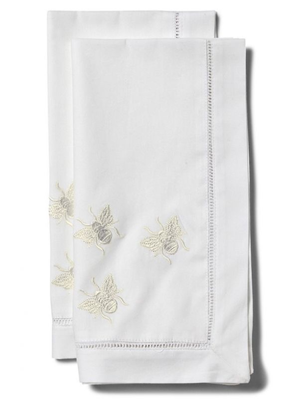 LG81-TBWH Dinner Napkin, Three Bees (White)**. Set of 2