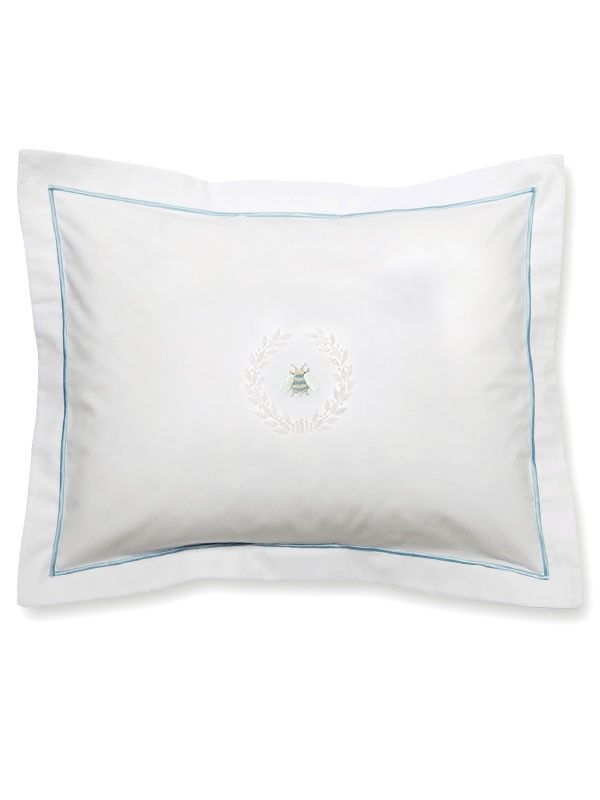 DG78-NBWCR** Boudoir Pillow Cover - Napoleon Bee Wreath (Cream)
