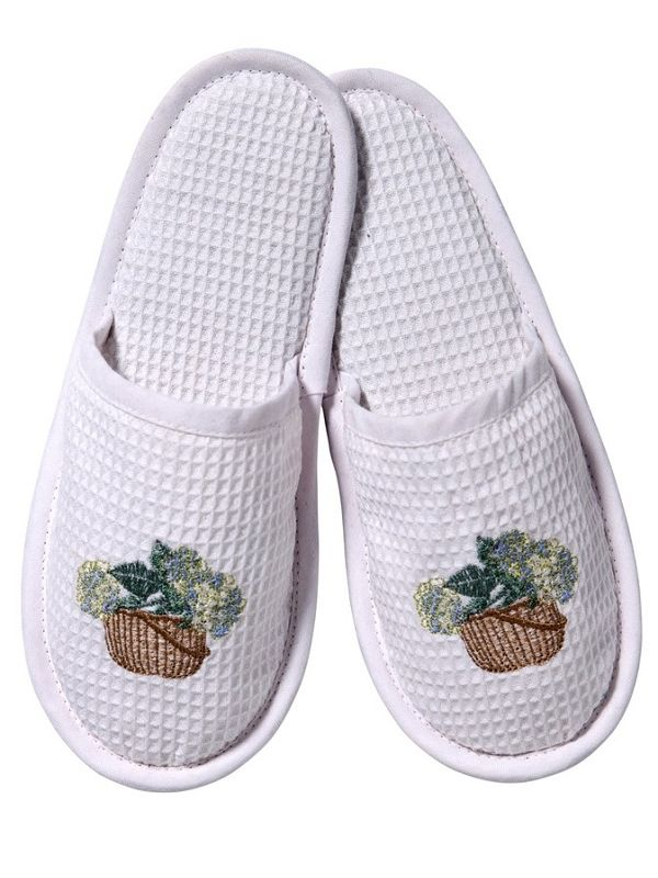 DG05-HBCRB Slippers, Waffle Weave - Hydrangea Basket (Cream/Blue)